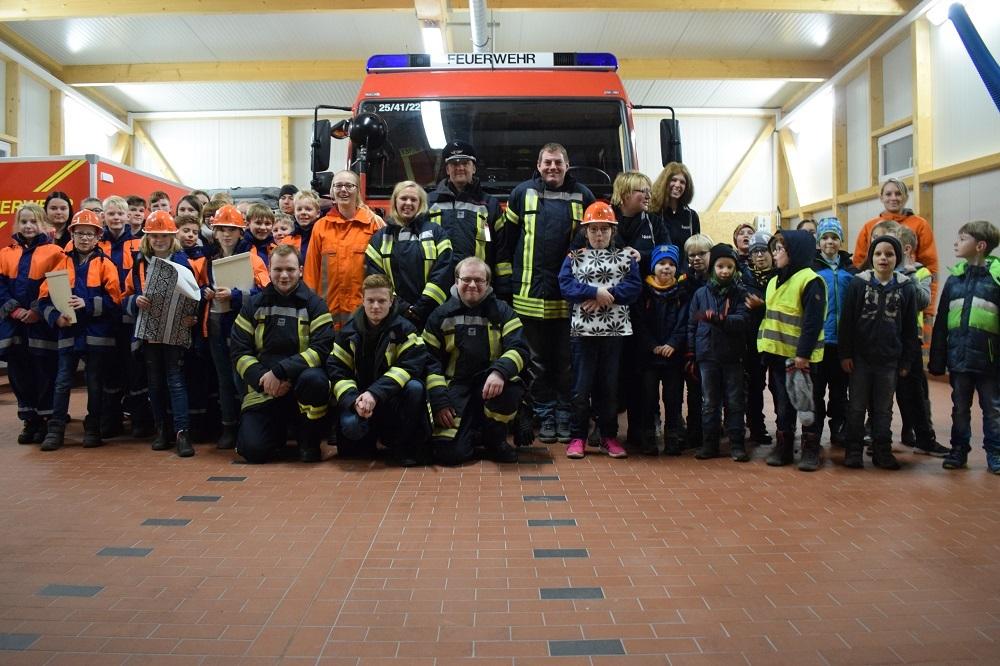 19-11-26-Übergabe-KF-an-JF-Marxen-Bild-2
